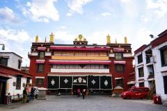 Дворец далай ламы в Тибете